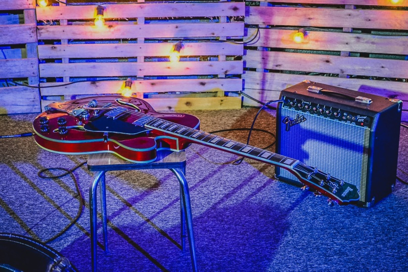 guitar-907649